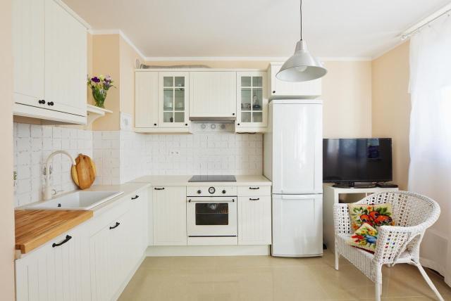 Jak urządzić kuchnię w stylu retro? O tym nie zapomnij!