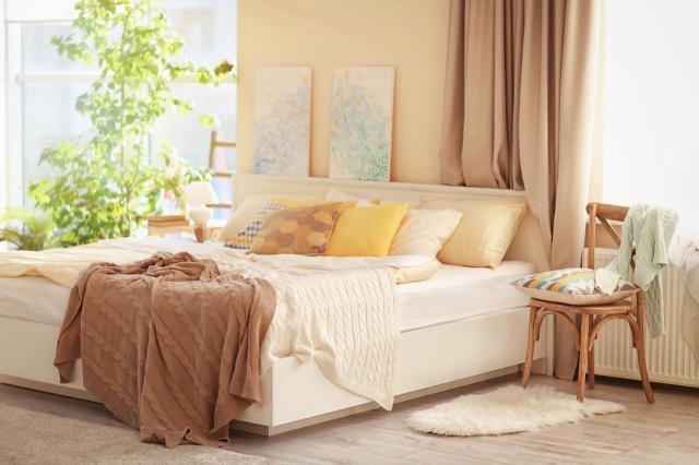 4 triki za pomocą których powiększysz sypialnię bez wydawania pieniędzy