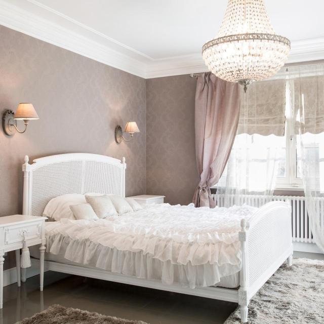 5 modnych kolorów, które odmienią Twoją sypialnię