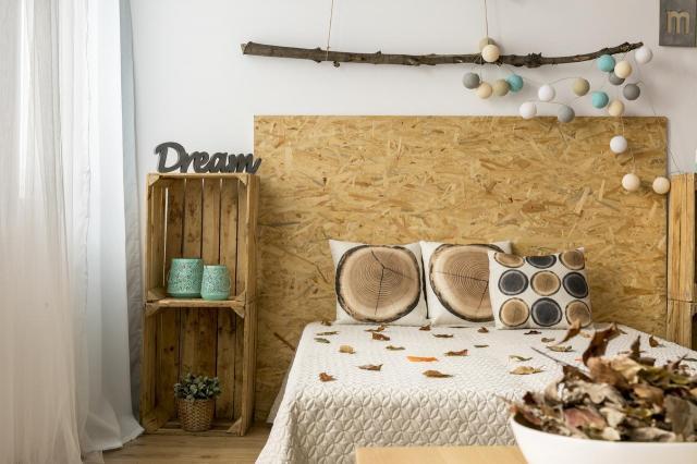 Sypialnia w stylu skandynawskim - jak urządzić?