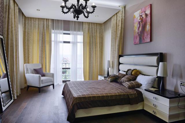 Aranżacja sypialni - jasna czy ciemna? Jaki odcień będzie lepszy?
