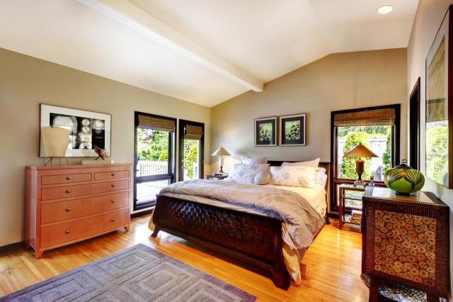 Jak wyposażyć sypialnię, aby czuć się w niej dobrze?