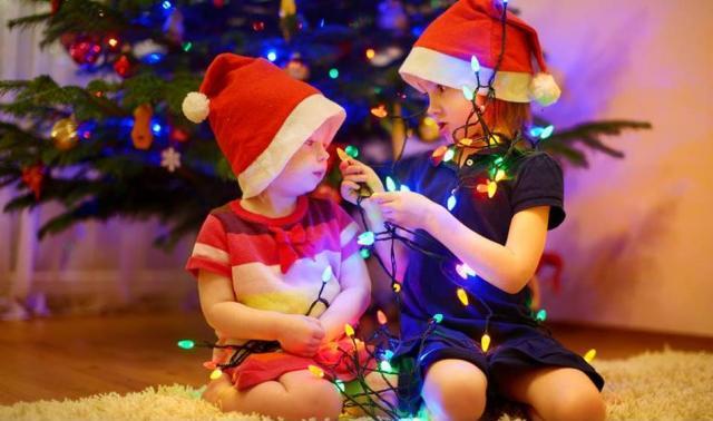 Jak stworzyć świąteczną atmosferę za pomocą światła?