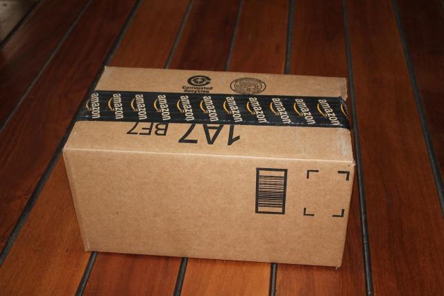 Jak prawidłowo zapakować przesyłkę przy użyciu folii stretch?