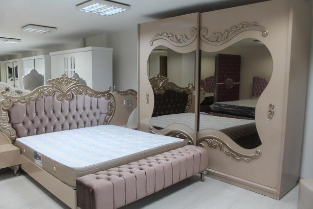 Pięć sposobów na metamorfozę sypialni - od pokoju do spania do pokoju uciech
