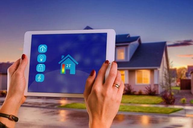 Jak wygodnie i niedrogo ogrzewać mieszkanie energią elektryczną?