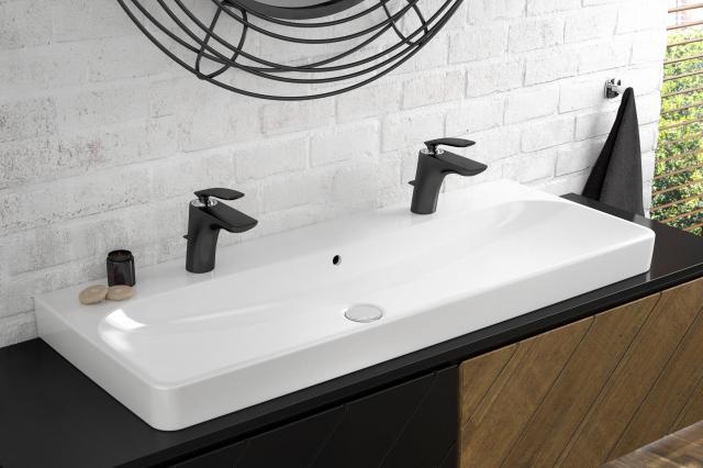 łazienka w czerni, trendy, artykuł partnerski, aranżacja łazienki