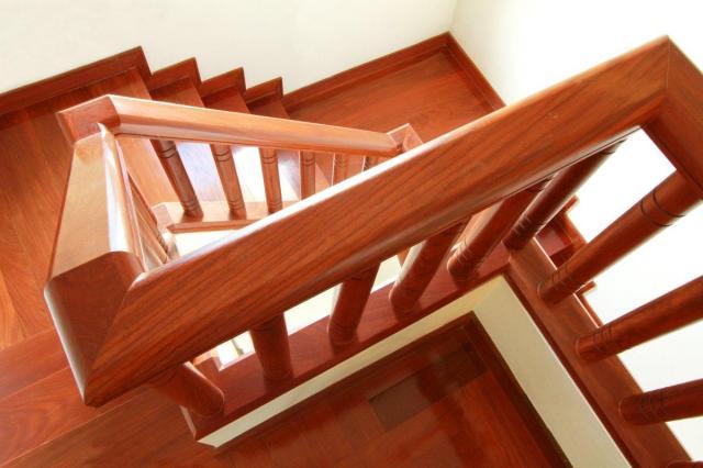 artykuł partnerski, balustrady, schody, drewniane schody